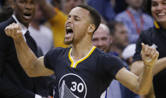 Stephen Curry Likened To Michael Jordan Yet Completely Different